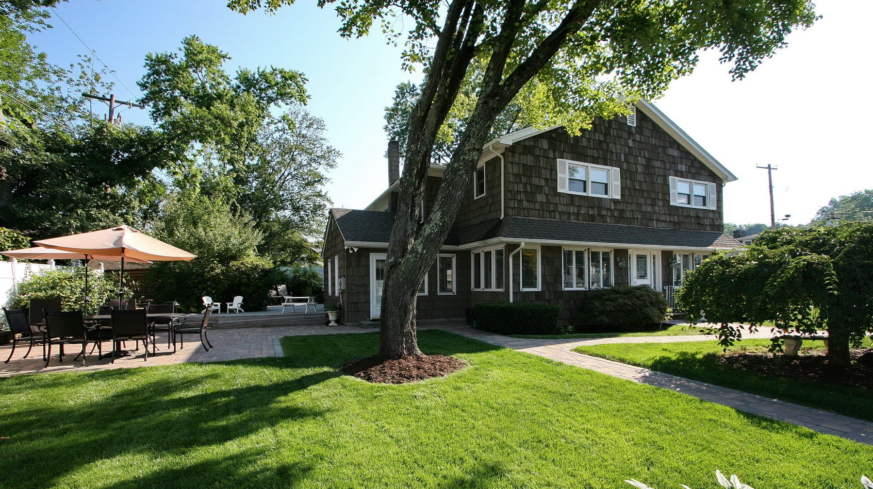 This home is part of  the Green Pond lake and recreational community in Rockaway Township. Green Pond is known as New Jersey's cleanest lake.
