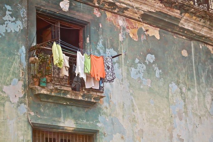 Cuban street scene photo by Alejandro Simon