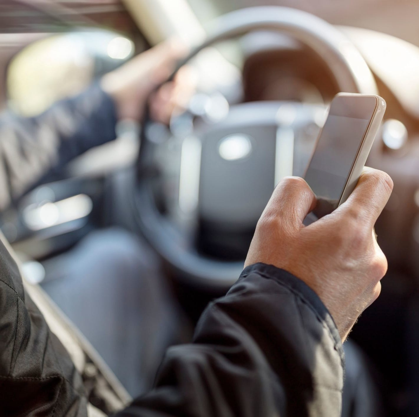It may soon be illegal in Tennessee to use a hand-held cellphone while driving