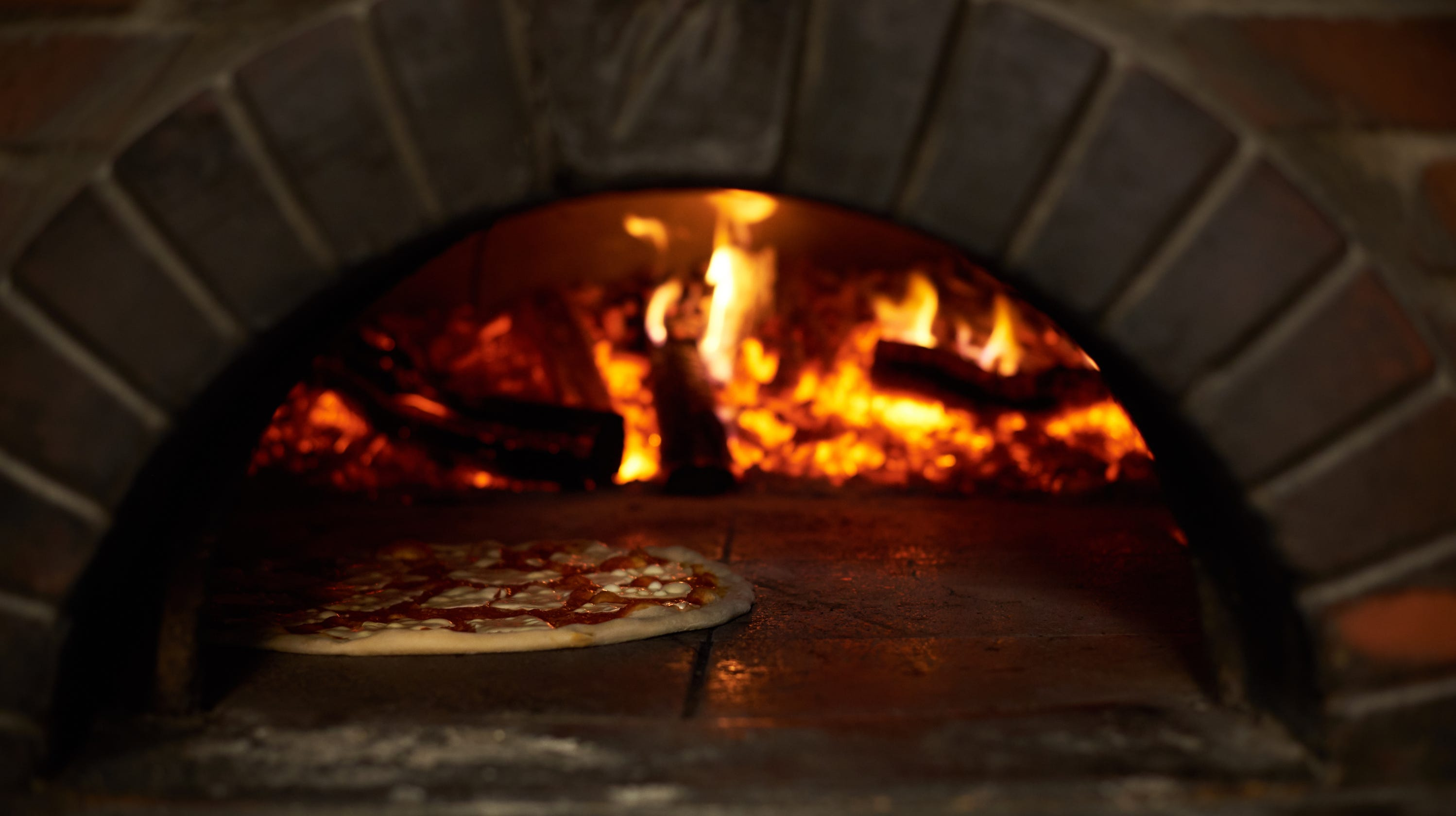 Grindage Wood Fired Pizza Sandwiches Opens In Place Of Mancinnis