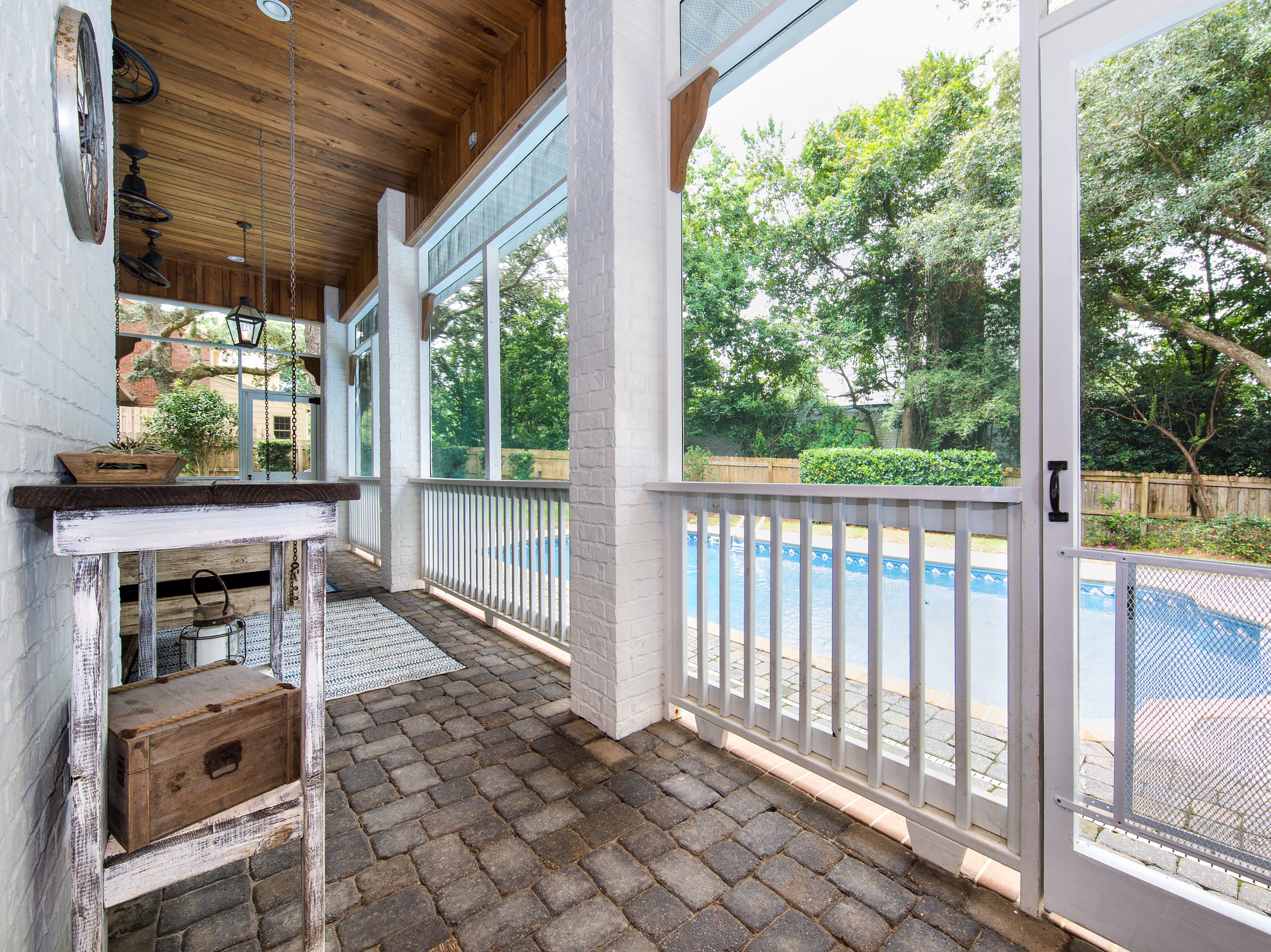 1980 Villafane Drive
