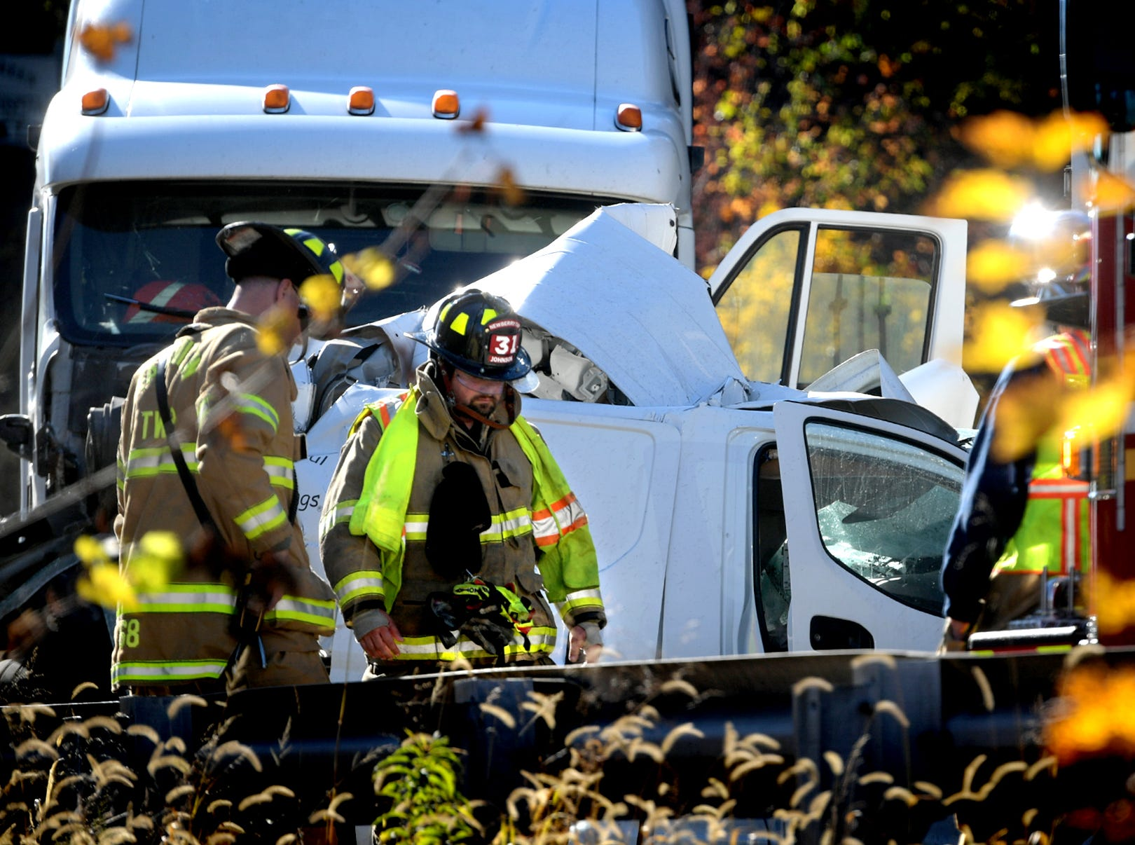 Firefighters respond to the scene of a fatal accident on northbound I-83 south of Exit 34, Valley Green, Thursday, Nov. 8, 2018. Northbound lanes of the interstate were closed for several hours after the crash which occurred just before 9 a.m. Bill Kalina photo