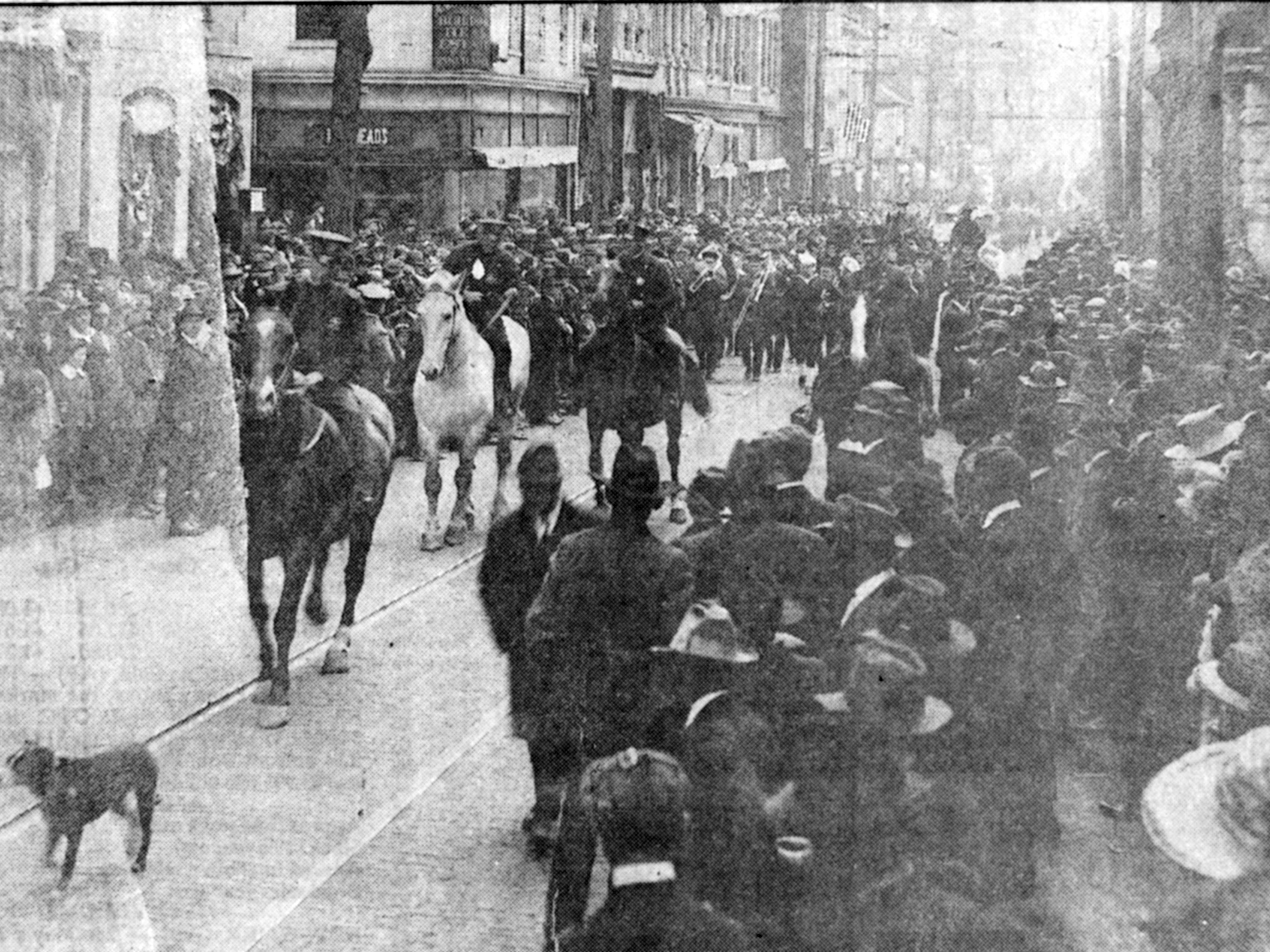 Staunton receives armistice with 'monster peace celebration'