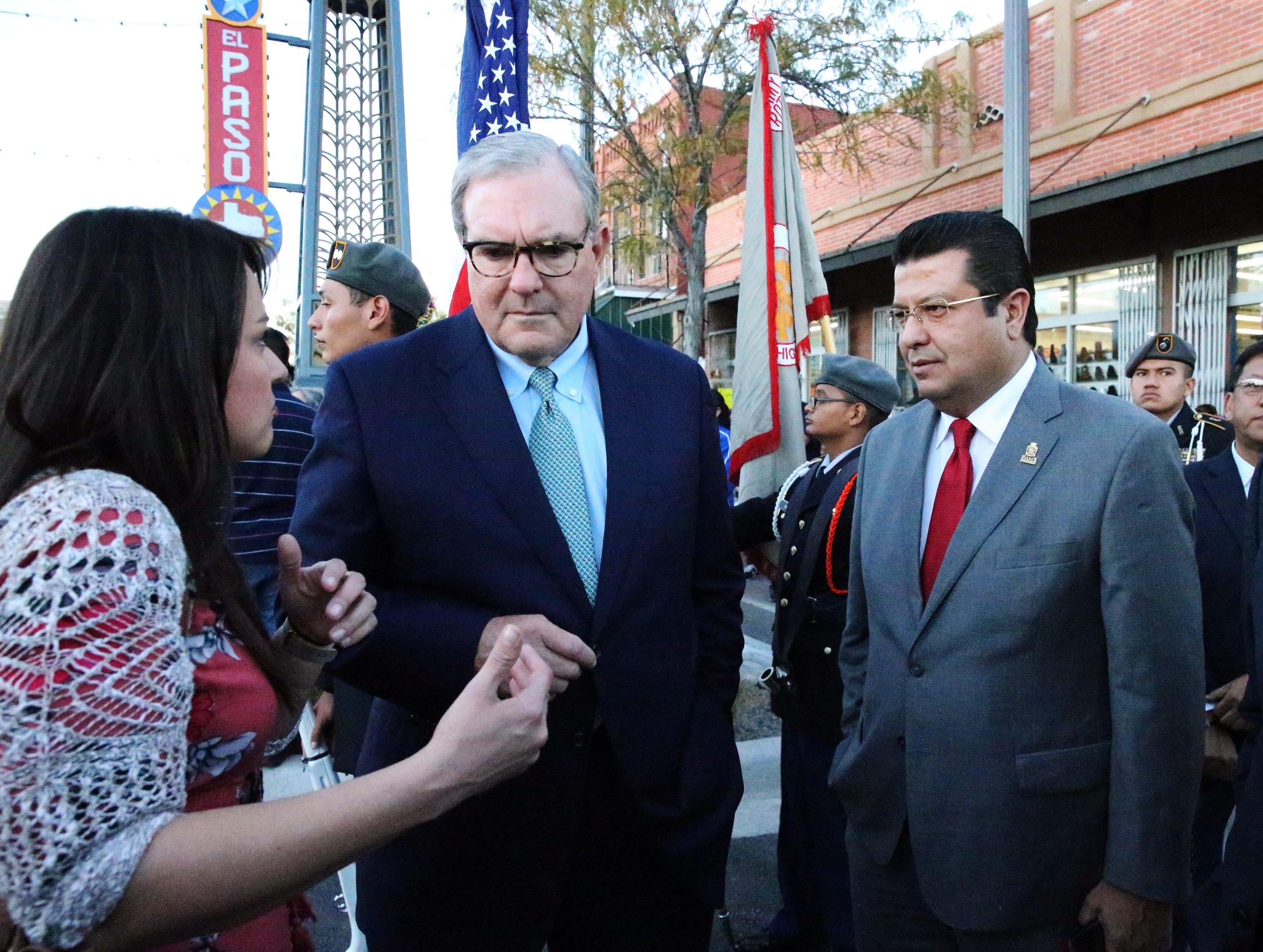 El Paso mayor Dee Margo, center, and his chief of staff, Olivia Zepeda, left, talk with Juarez mayor Armando Cabada Wednesday in South El Paso.