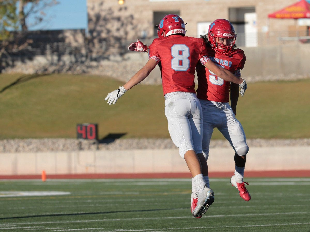 Socorro and Franklin high schools met in a matinee game at the SAC on Thursday. Socorro struck first but Franklin made easy work of a short field. With 3 minutes left in the first quarter, the Franklin Cougars led 21 to 13.