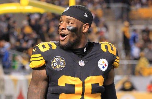 dfa6f9eeb44 Le Veon Bell  Pittsburgh Steelers holdout posts upside-down tweets