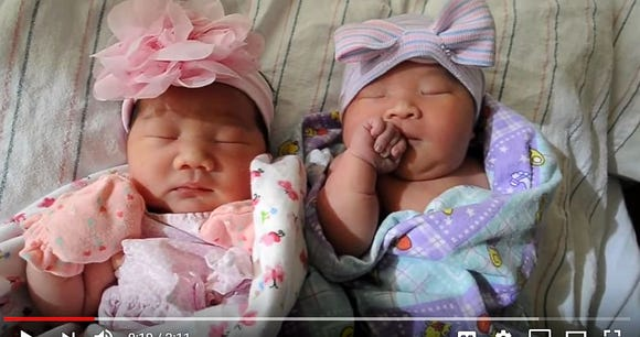 Identical twins gave birth to daughters on the same night in Fresno, Calif.