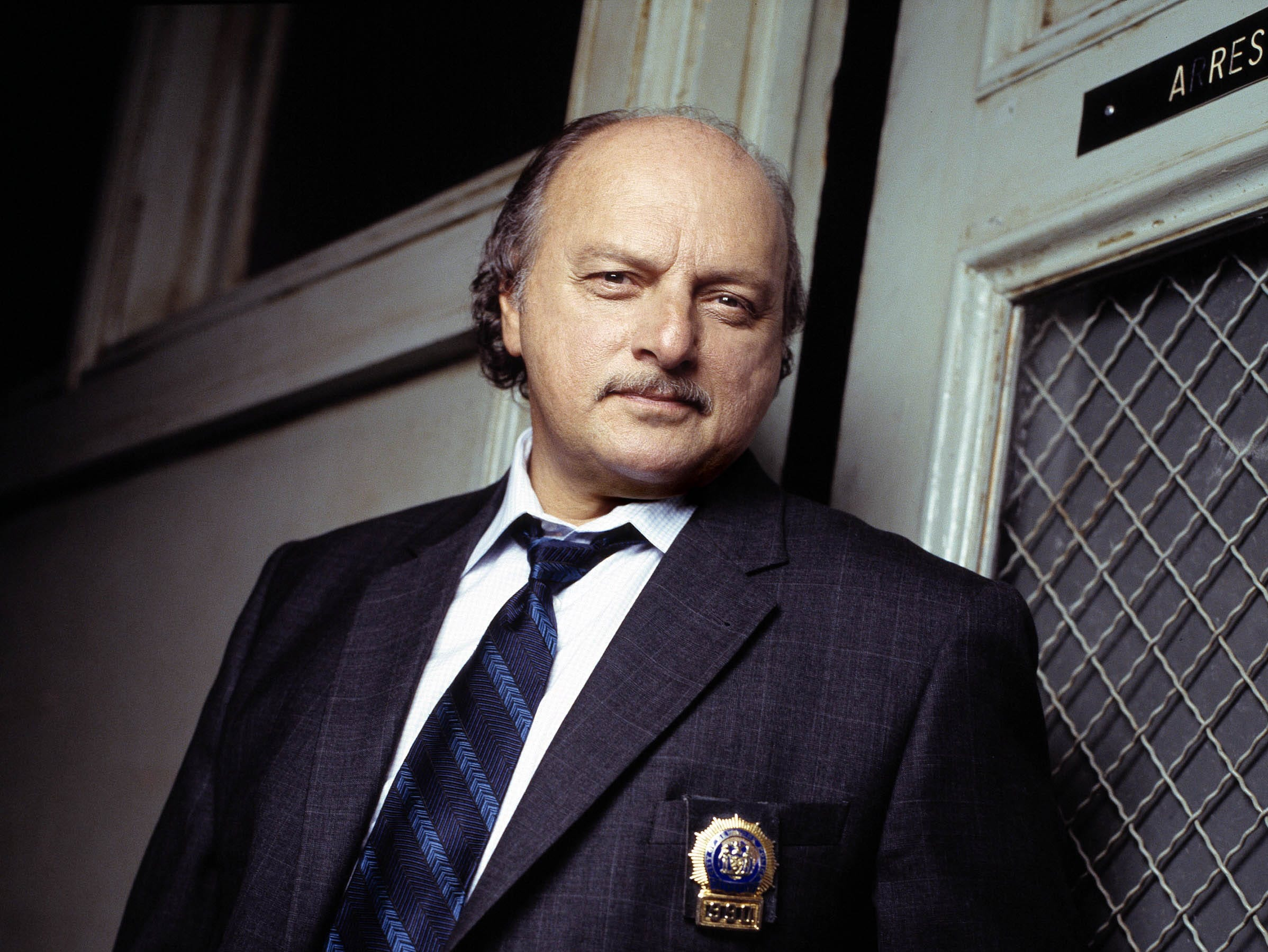 "DENNIS FRANZ of NYPD BLUE - One of the longest-running and critically acclaimed police dramas in broadcast history, ""NYPD Blue"" is returning for its 11th season. The series airs Tuesdays from 10:00-11:00 p.m., ET.   --- DATE TAKEN: rec'd 09/04  By REISIG & TAYLOR   ABC        HO      - handout   ORG XMIT: ZX26096"