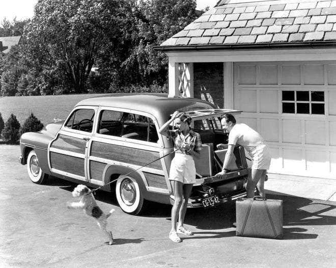 Families are open to vacations at the end of the year, but are wary of the coronavirus. Most of those who take a trip will go by car. Here's how it was done 70 years ago when families loaded up the station wagon.