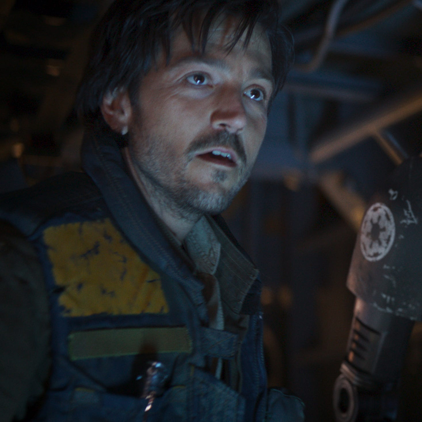 "Diego Luna will reprise his role as rebel intelligence officer Cassian Andor for a new spinoff series of ""Rogue One: A Star Wars Story."""
