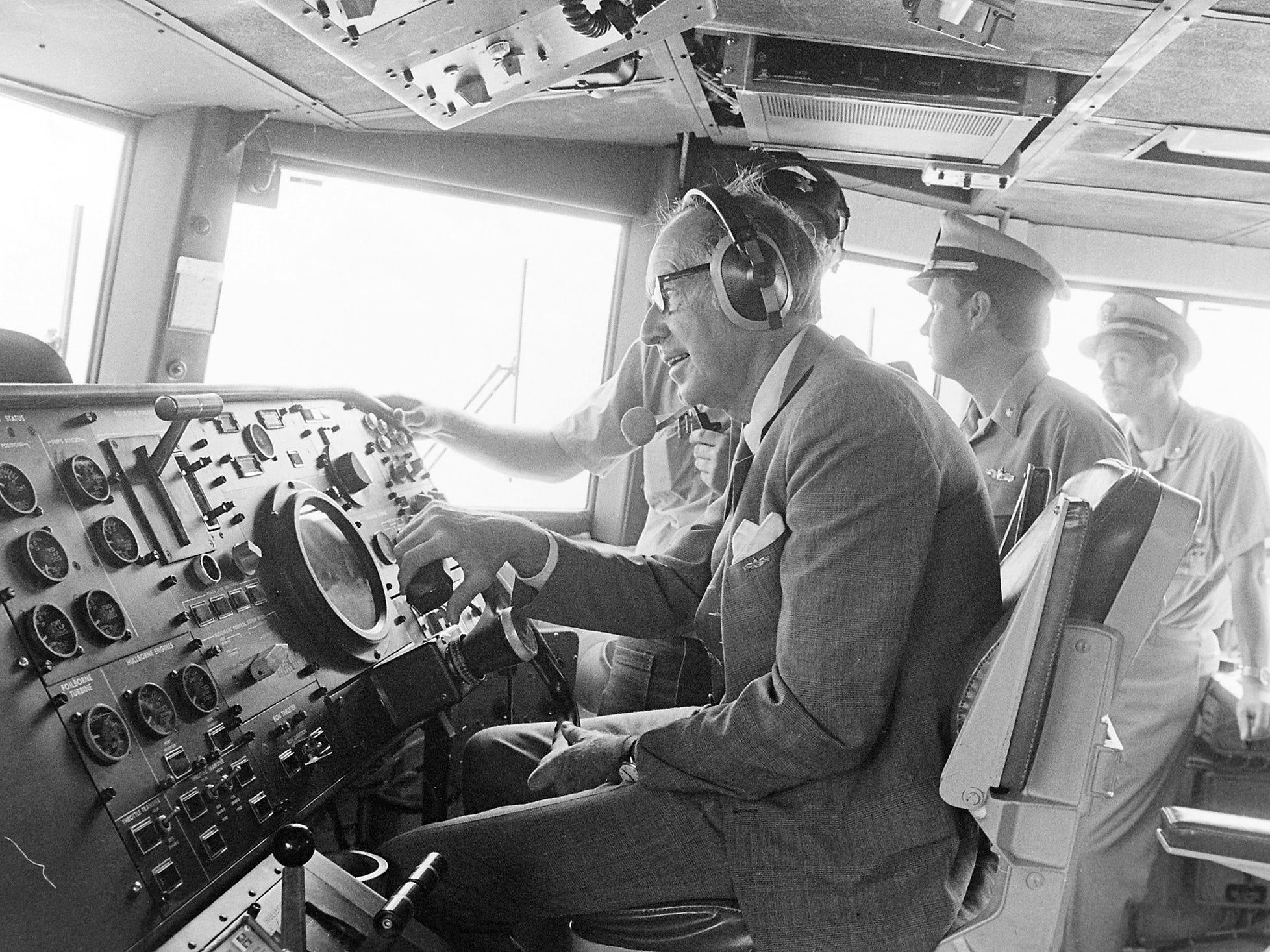 07/21/77Secretary Of Navy