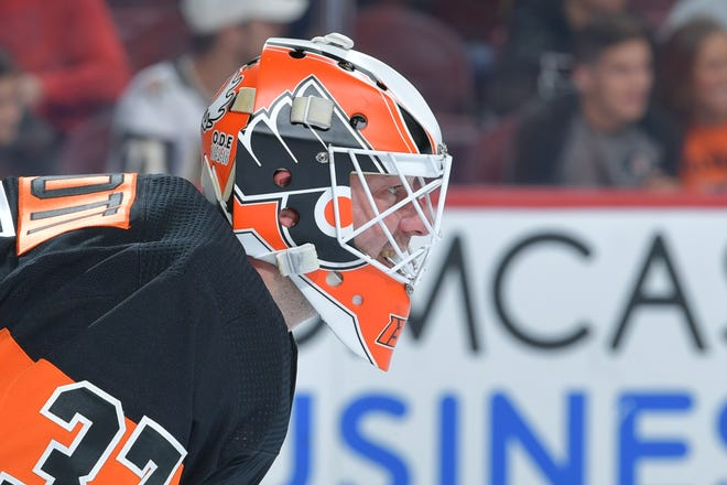 Brian Elliott made 16 saves in relief Thursday night to get the Flyers a win. He'll get the start Saturday against the Chicago Blackhawks.