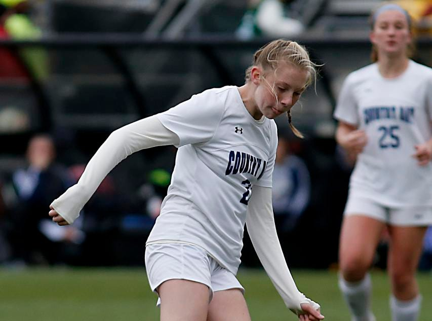 Cincinnati Country Day midfielder Sarah Zimmerman controls the ball against Kirtland during their Division III Championship soccer game at MAPFRE Stadium in Columbus Friday, Nov. 9, 2018.