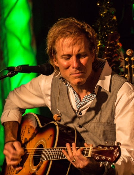 Holiday concert to feature Peter Mayer PHOTO CAPTION
