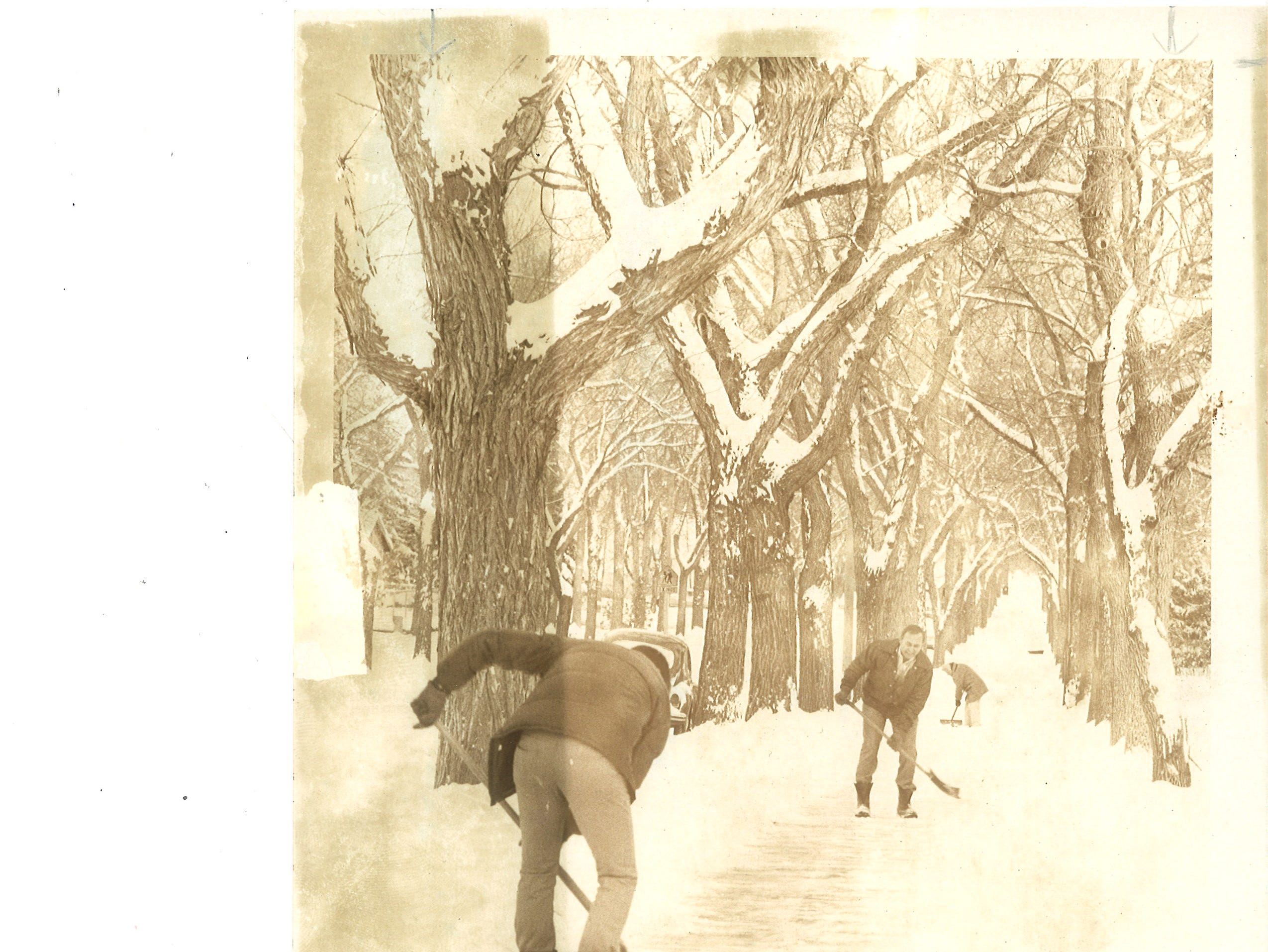 Life in Great Falls 40 years ago: A neighborhood works to shovel off the sidewalk
