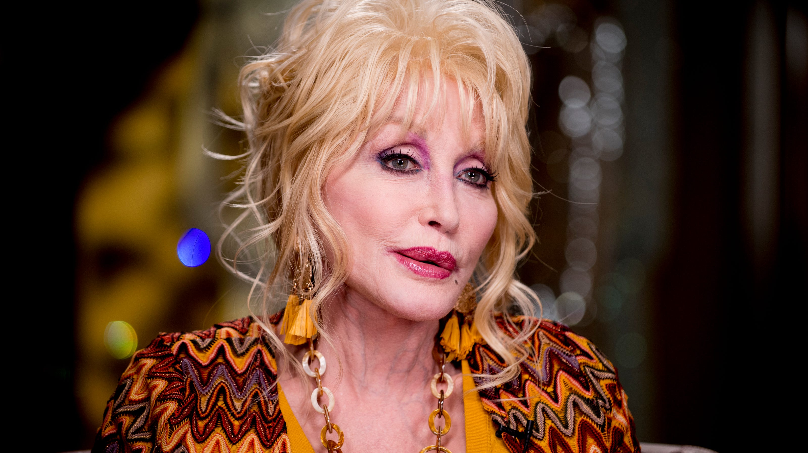 Dolly Parton Unveils Dollywood S Holiday Expansion Glacier Ridge