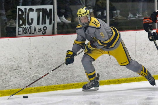 Hartland's Joey Larson (9) made all-state last season after leading the Eagles in playoff scoring.