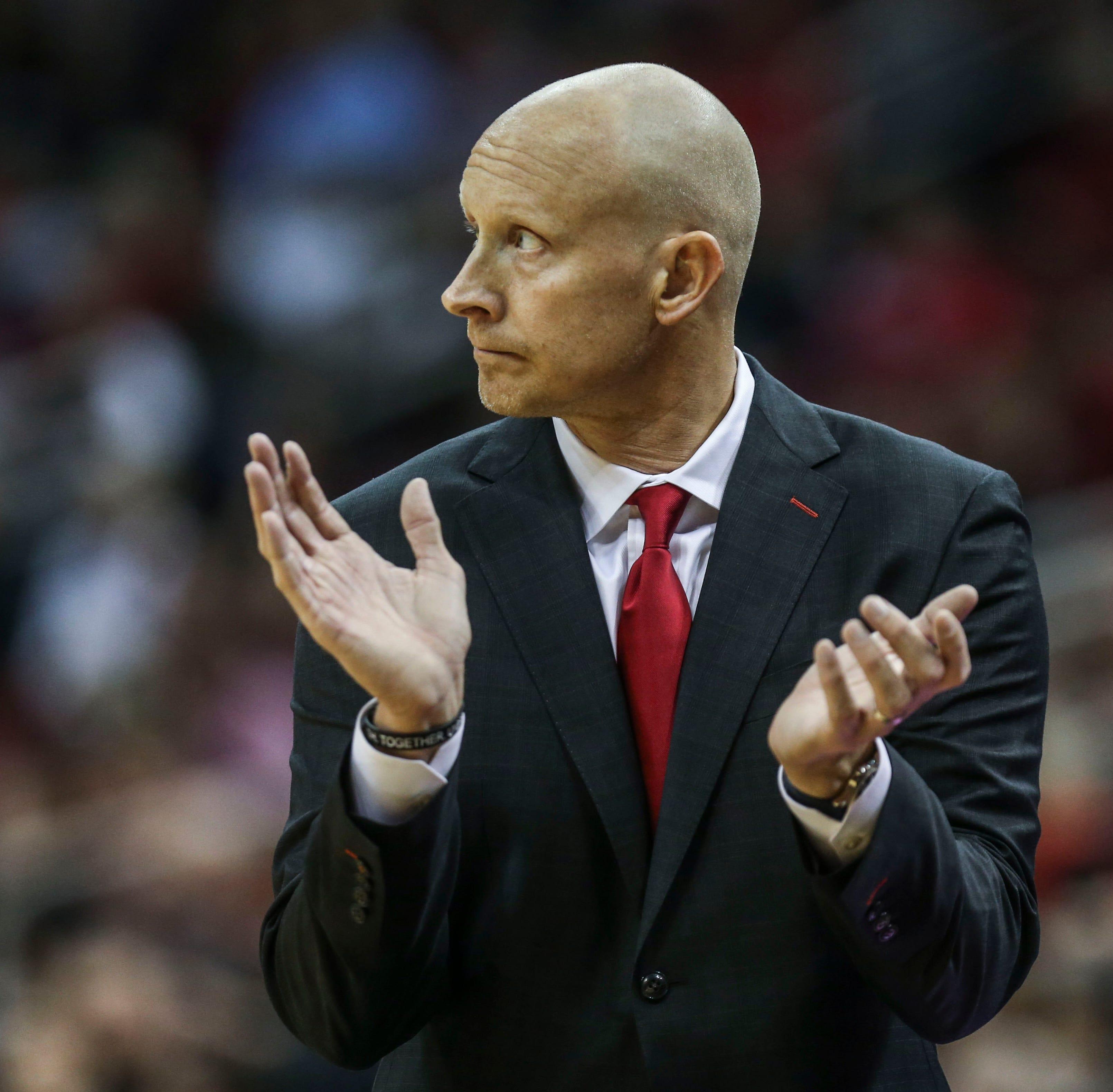 Louisville basketball: Cards open Chris Mack era with a sloppy win