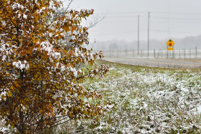 A winter weather advisory is in effect for Halloween night and Friday morning, with about 2 inches of slushy snow expected in Lansing.