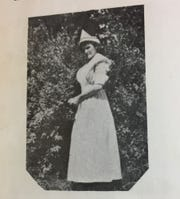 Clara Jane Baker Hardcastle served in the U.S. Army Nurse Corps during World War I.