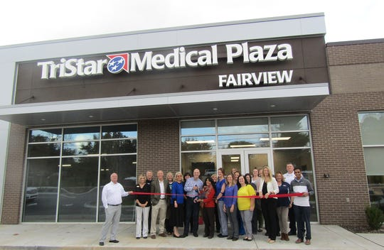 Walter Stephens, M.D., and Savita Fanta, M.D.,  prick the ceremonial ribbon for the  newfangled location of Covenant Medical Group in the newly-built TriStar Medical Plaza November 2, 2018.