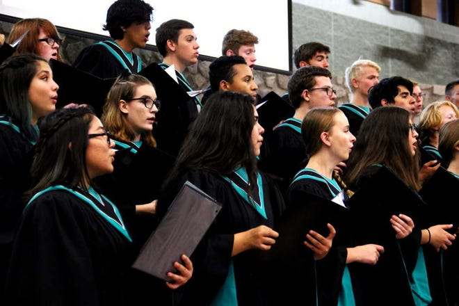 The Oñate High School Choir performs at the fall meeting of the New Mexico School Boards Association, Region VII, meeting on Oct. 23, 2018, in the Oñate High School Commons.