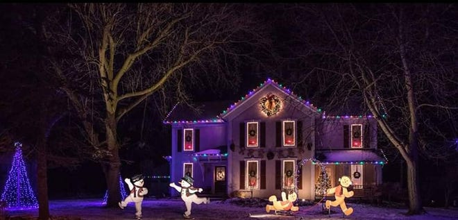 Lucas Lights creates Christmas displays for people's homes.