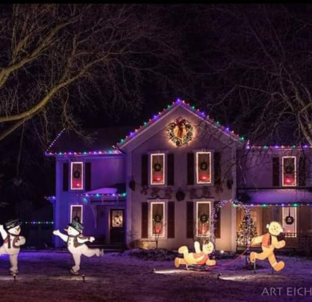 Streetwise: Lucas Lights brightens homes with Christmas displays in the Fox Valley