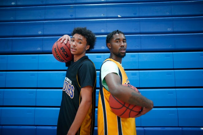 Jaelen House and Jovan Blacksher, right, are poised to lead Phoenix Shadow Mountain to its fourth consecutive state championship and fifth in six seasons.