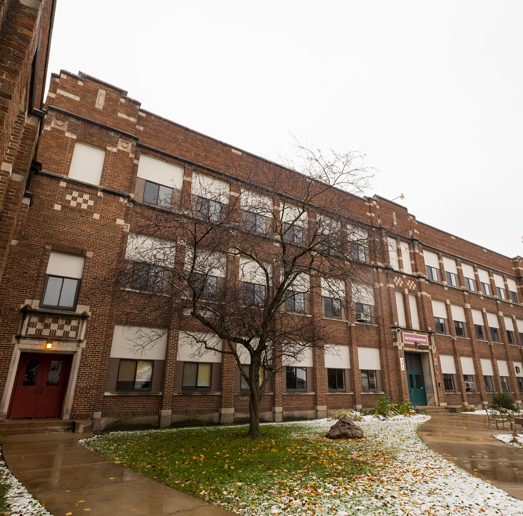 St. Clair Inn developer to house workers at old middle school
