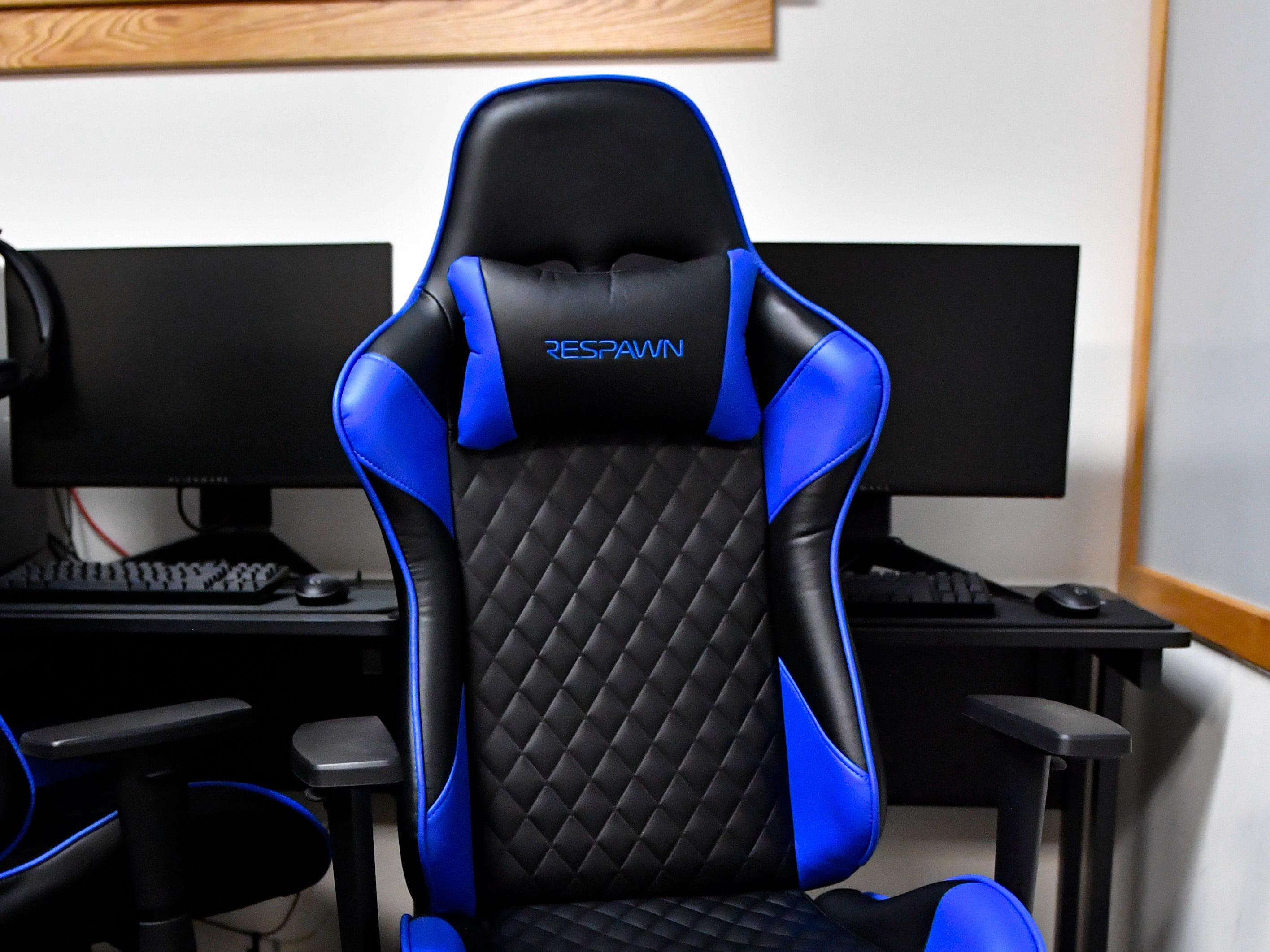 These chairs are designed for Esports players. They provide the comfort needed for long matches.