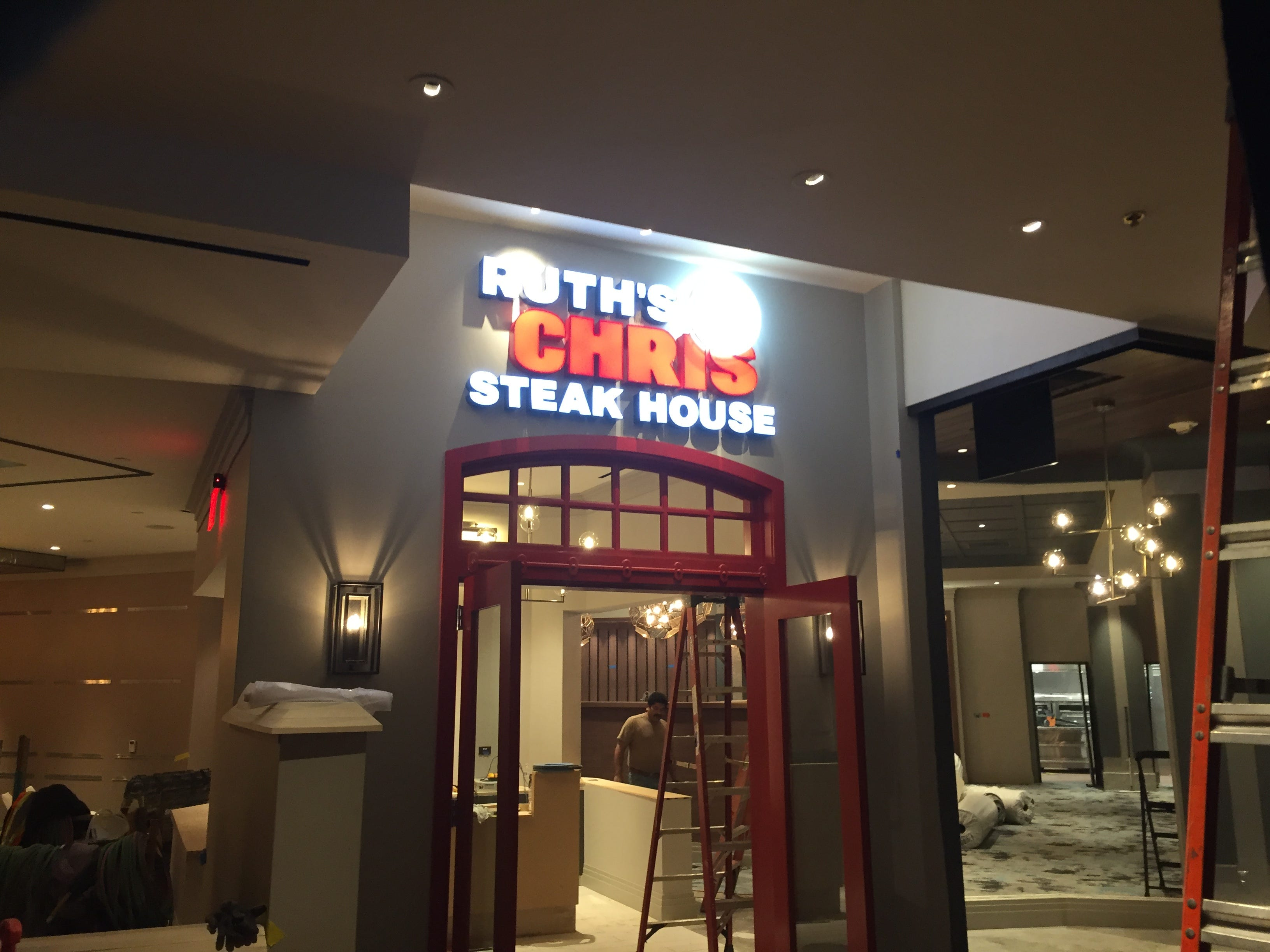 A first look at Ruth's Chris Steak House in the Silver Legacy