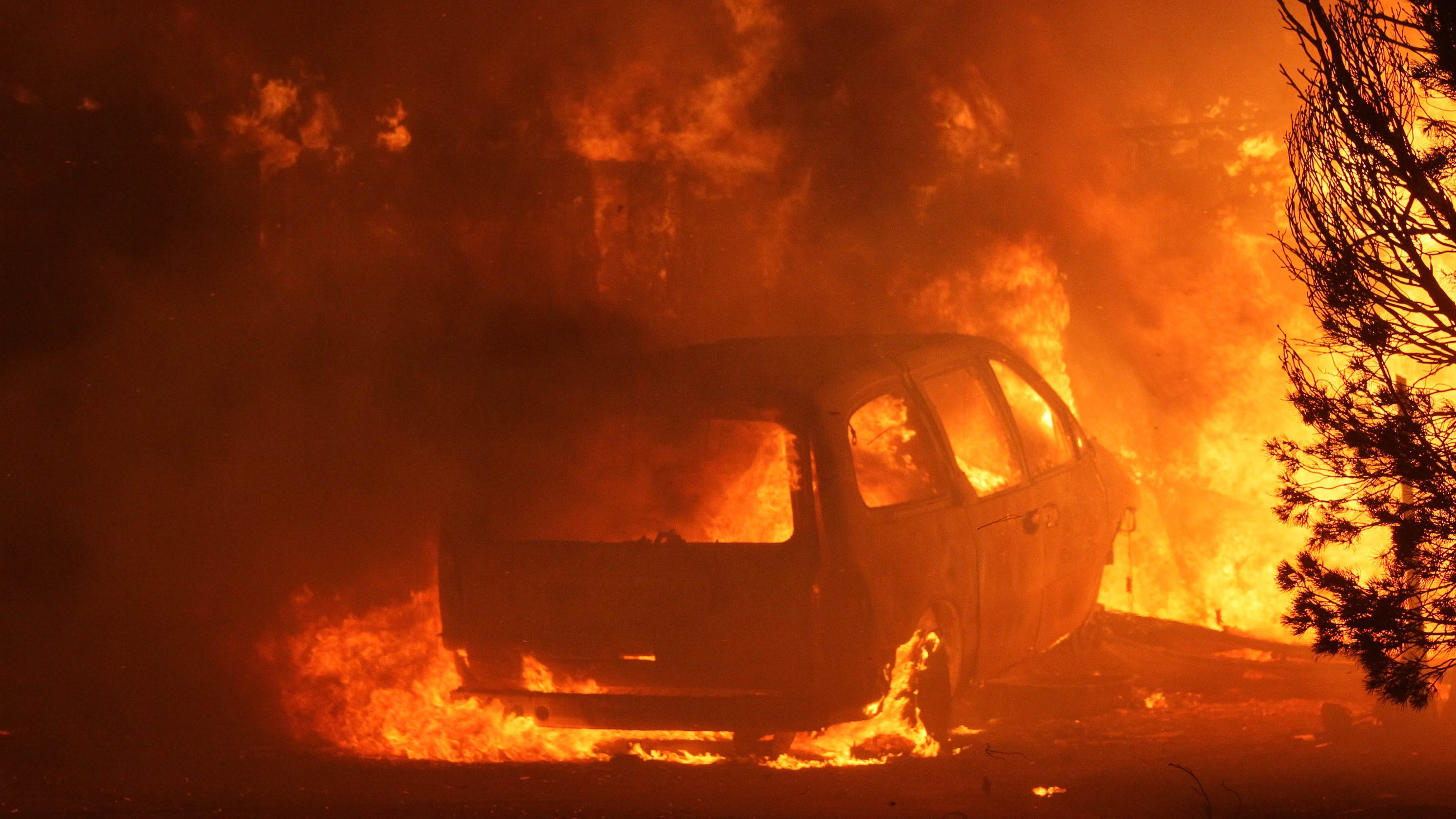 Camp Fire Paradise Evacuated As Wildfire Rages No Containment