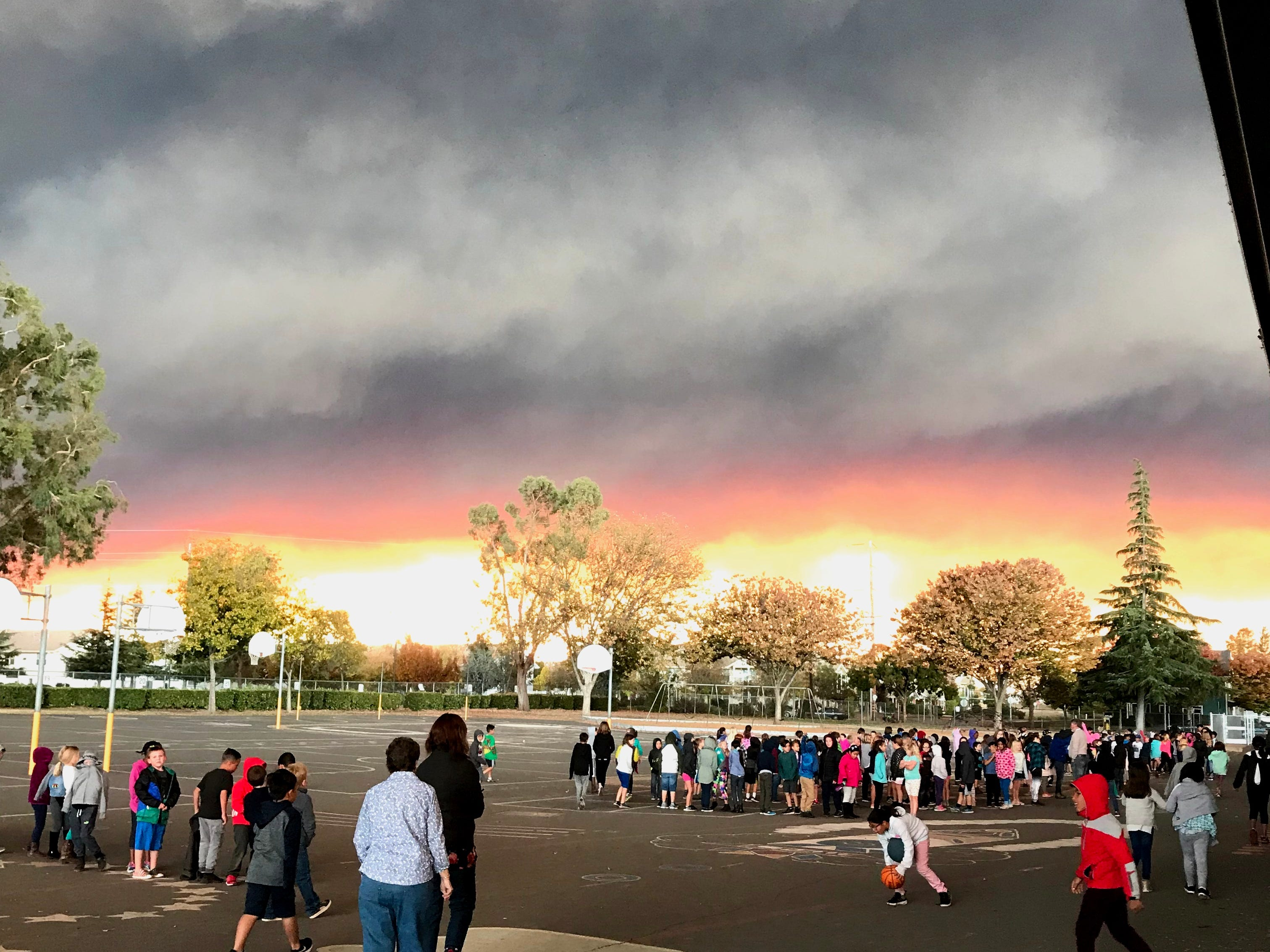 David Becker took this photo Thursday morning of the Camp Fire plume at the Little Chico Creek Elementary School in Chico.
