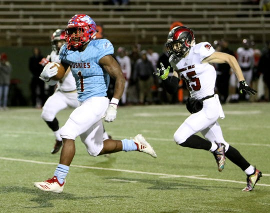 Hirschi's Daimarqua Foster finished with 2,093 rushing yards and 31 touchdowns during the regular season.