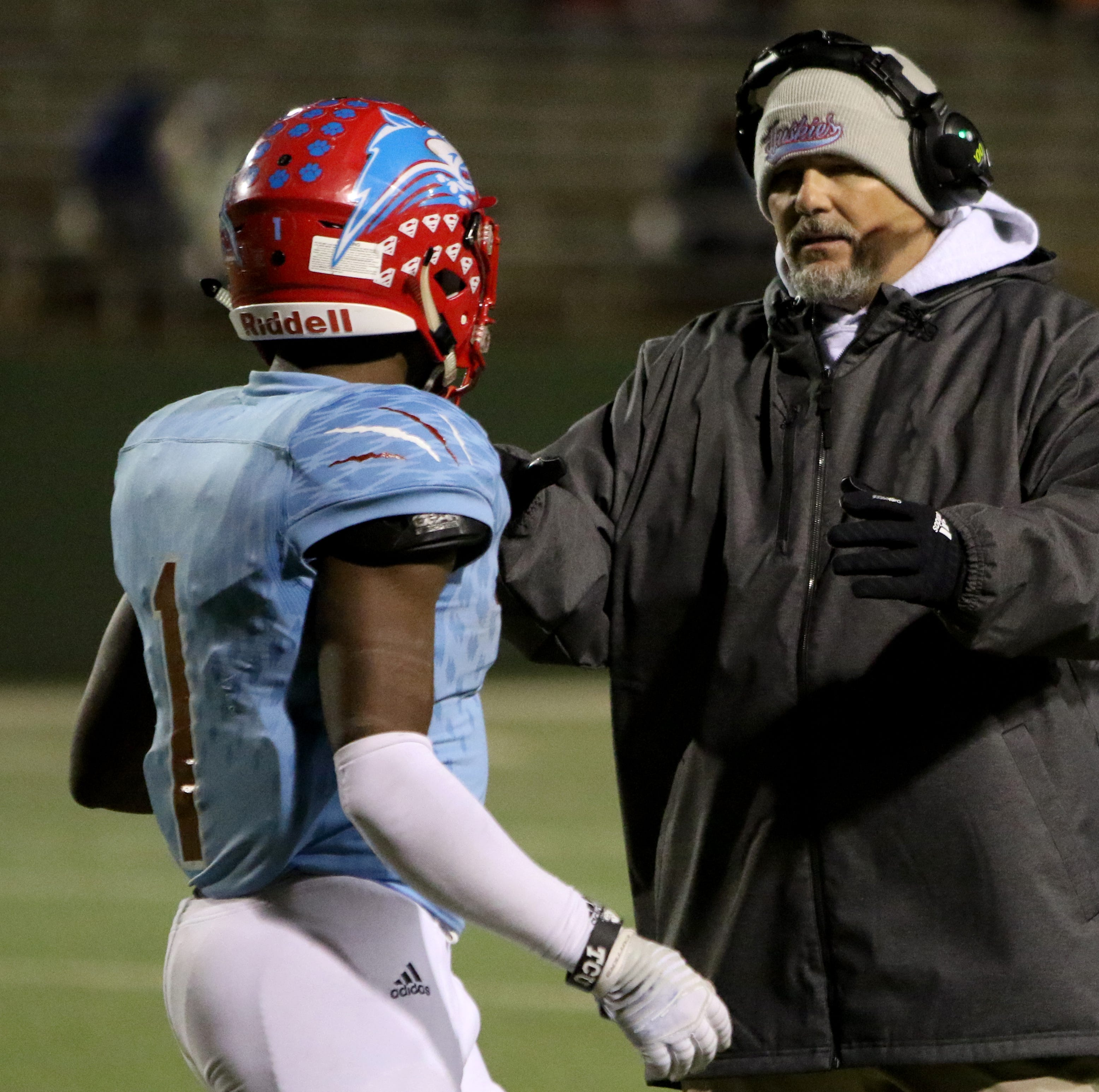 Danny Youngs makes 'gut-wrenching' decision to leave Hirschi for Brazoswood