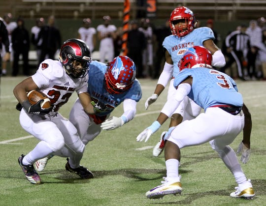Dante McCowan (3) shined as the Hirschi Huskies' top cornerback his senior season after moving in from Oklahoma.