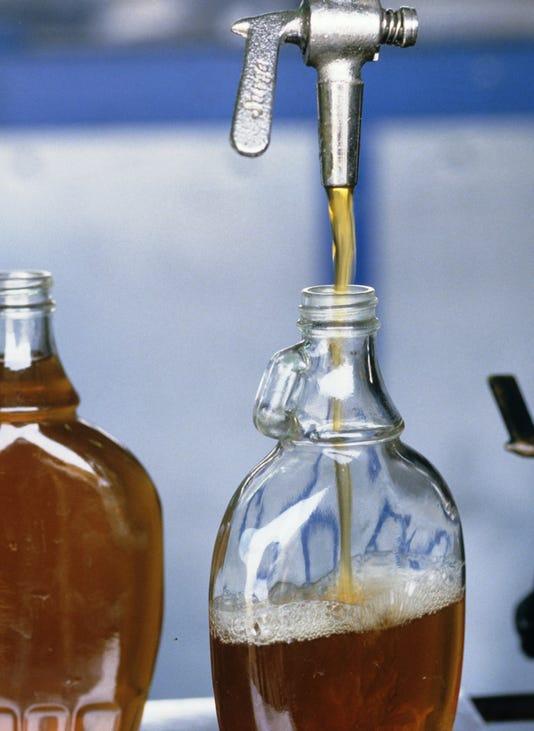 Uplace Food Maplesyrup Production Bottles