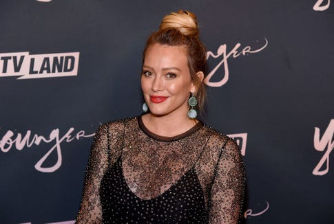 Ten days after having an at-home water birth on Oct. 25, Hilary Duff consumed her placenta in a smoothie.