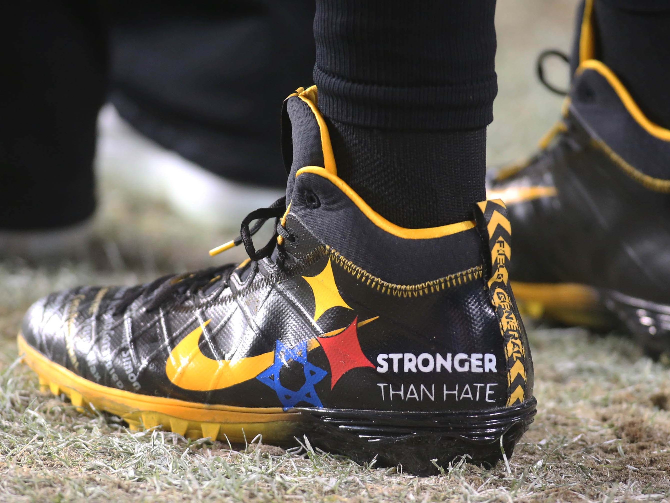 Detail view of Ben Roethlisberger's shoes for the Steelers' Thursday night game against the Panthers.