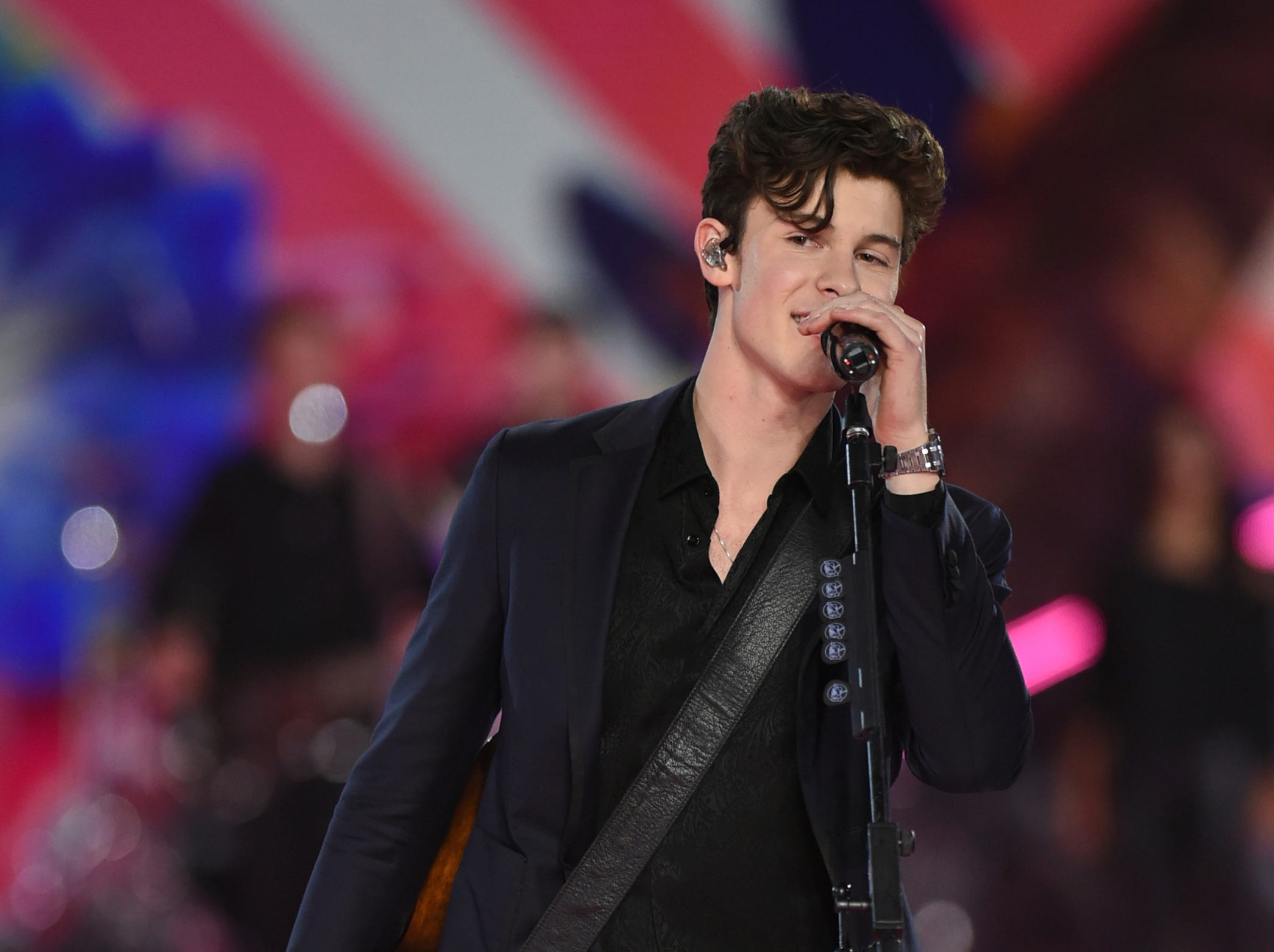 Shawn Mendes performs during the 2018 Victoria's Secret Fashion Show at Pier 94 on Thursday, Nov. 8, 2018, in New York. (Photo by Evan Agostini/Invision/AP) ORG XMIT: CAPM138