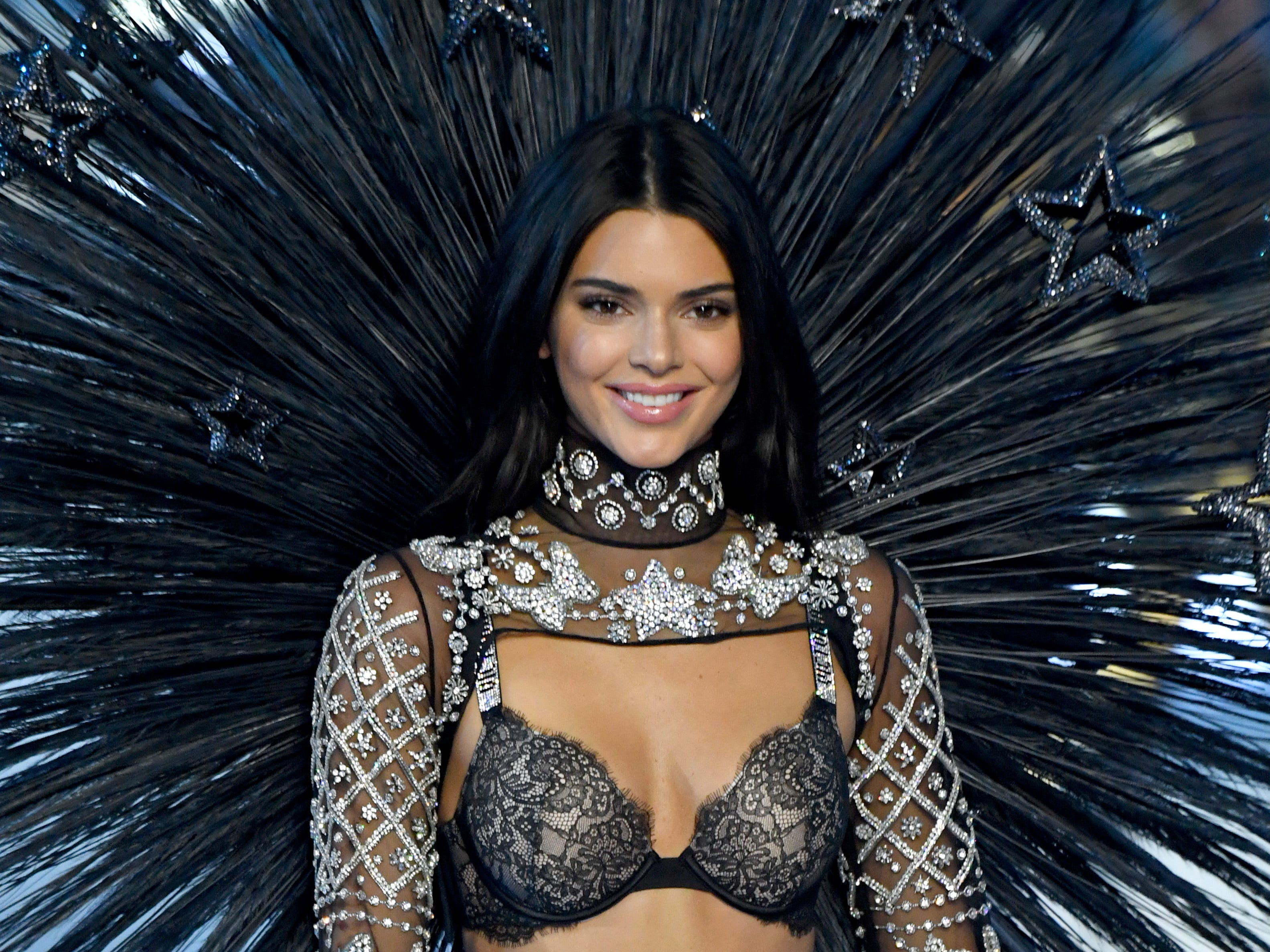 NEW YORK, NY - NOVEMBER 08:  Kendall Jenner walks the runway during the 2018 Victoria's Secret Fashion Show at Pier 94 on November 8, 2018 in New York City.  (Photo by Kevin Mazur/WireImage) ORG XMIT: 775255601 ORIG FILE ID: 1059371562