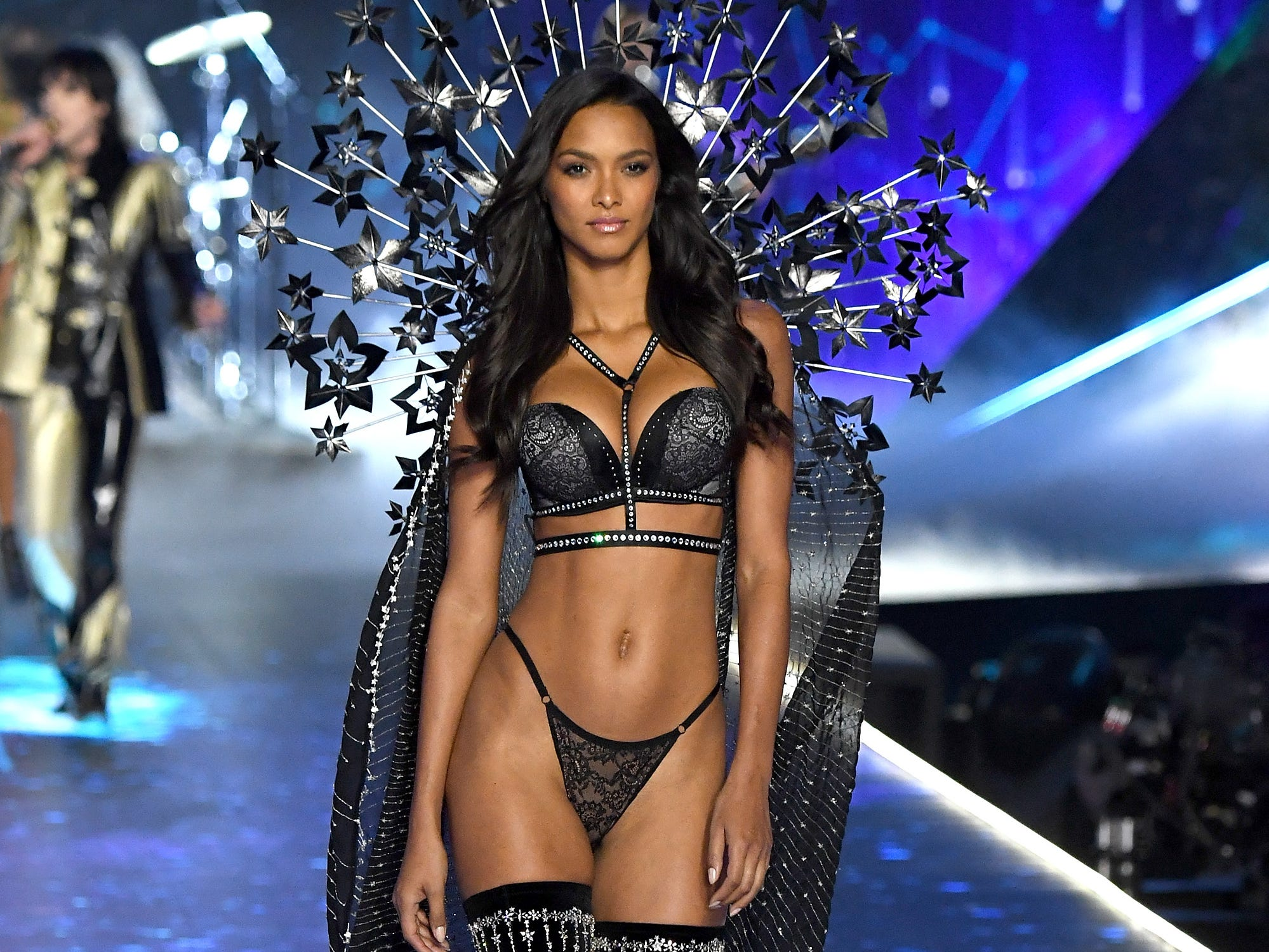NEW YORK, NY - NOVEMBER 08:  Lais Ribeiro walks the runway during the 2018 Victoria's Secret Fashion Show at Pier 94 on November 8, 2018 in New York City.  (Photo by Kevin Mazur/WireImage) ORG XMIT: 775255601 ORIG FILE ID: 1059371422