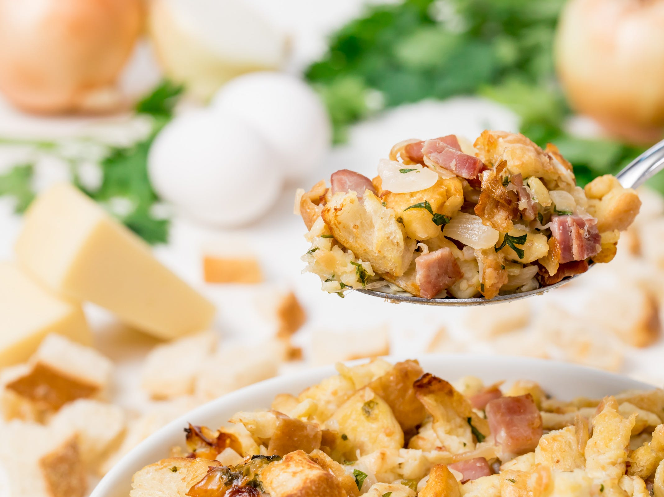 Need a new stuffing recipe to serve next to your Thanksgiving turkey? Grab your menu planner because we've got the perfect stuffing recipe for you! Our ham, Gruyère and onion stuffing, inspired by My Recipes, is a scrumptious sourdough stuffing featuring flavorful ingredients that bring new life to the traditional holiday side dish.