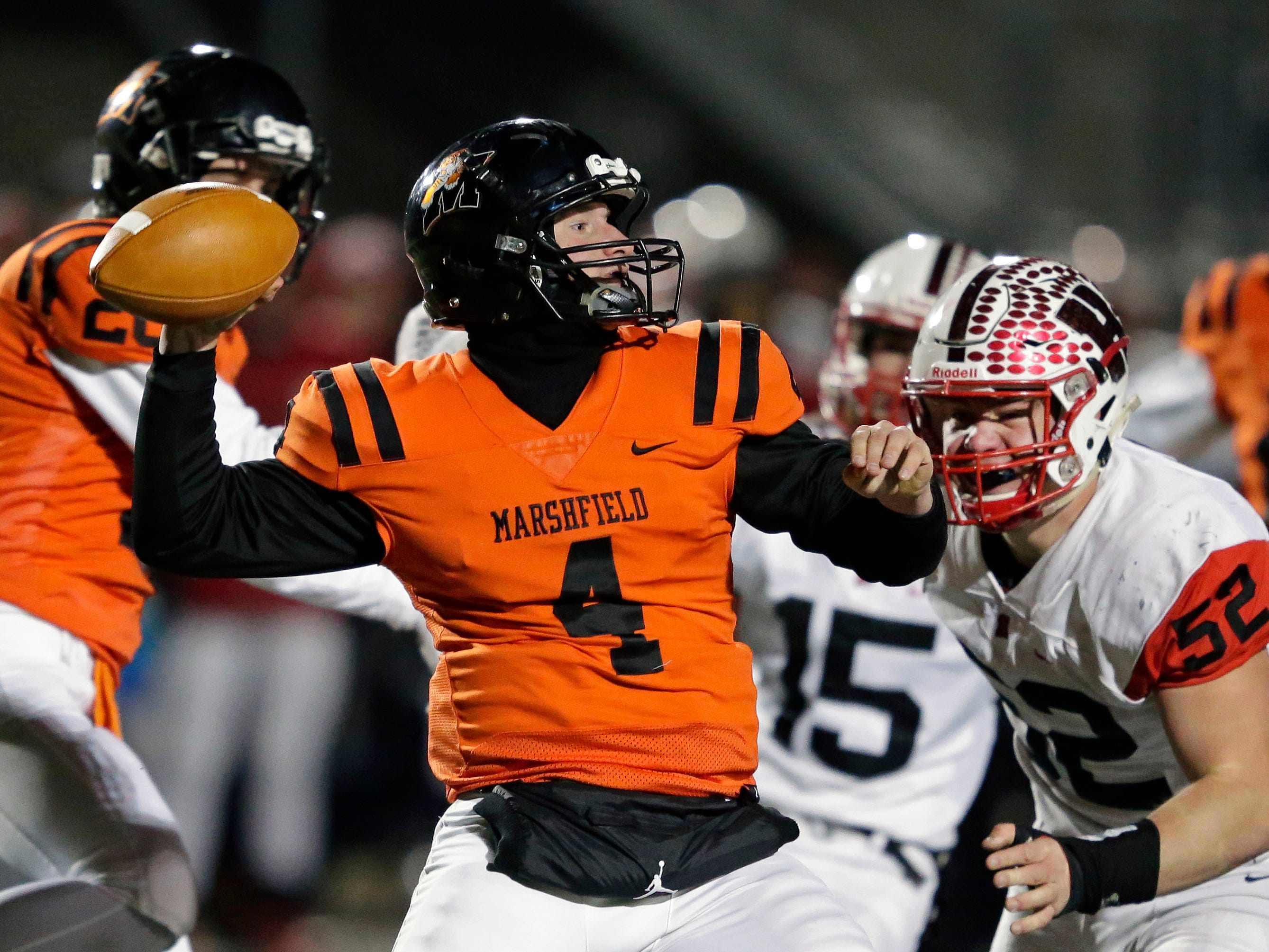 Quarterback Ryan Krueger of Marshfield passes against Homestead in a WIAA Division 2 state semifinal football game Friday, November 9, 2018, at Calder Stadium in Menasha, Wis.Ron Page/USA TODAY NETWORK-Wisconsin