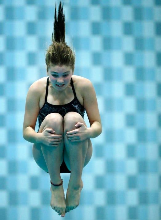 Apc Stateswimmingd2 110918 319