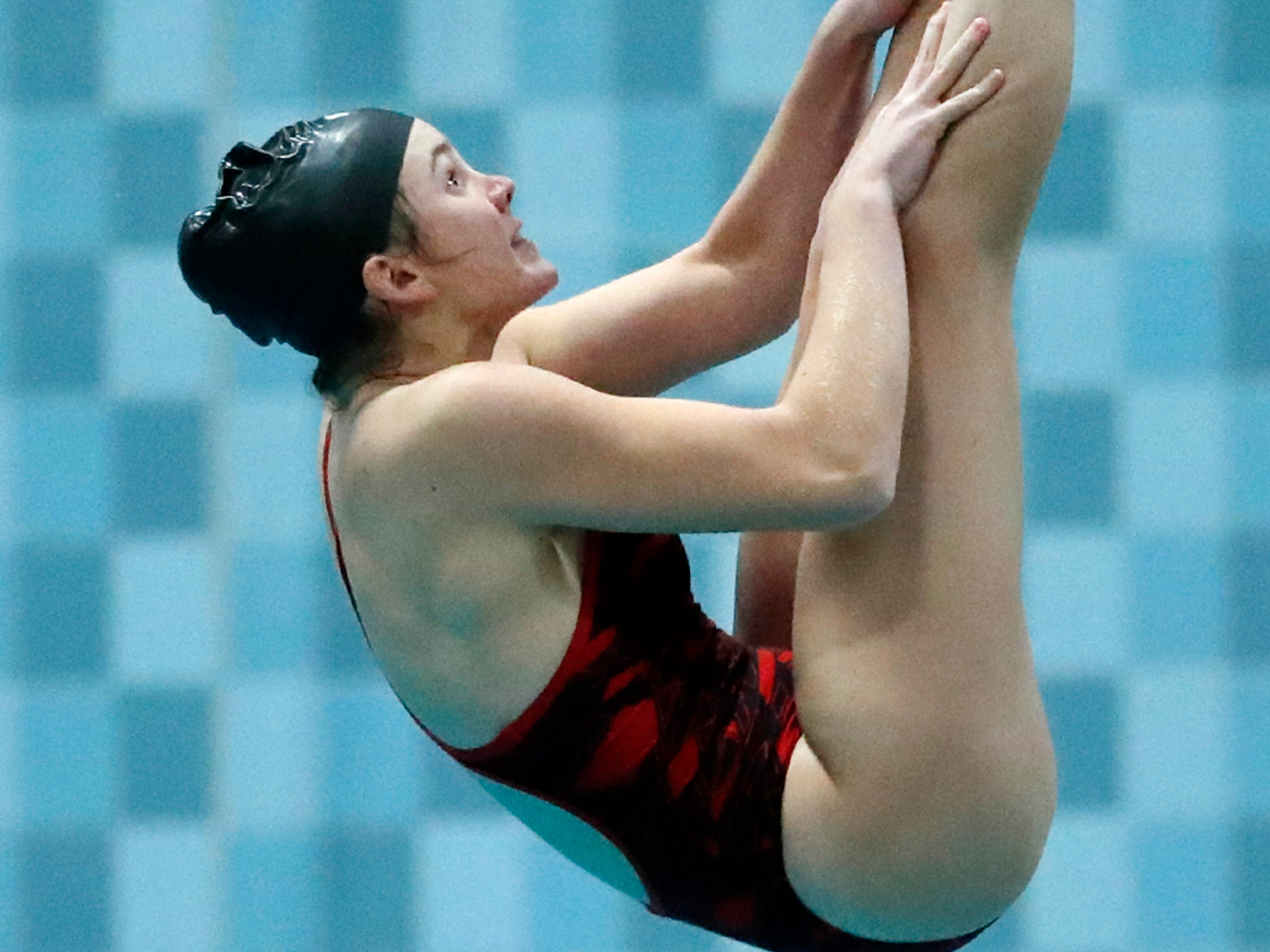 Seymour's Erin Schuh competes in the diving finals during WIAA Division 2 State Swimming and Diving Friday, Nov. 9, 2018, at the UW Natatorium in Madison, Wis.