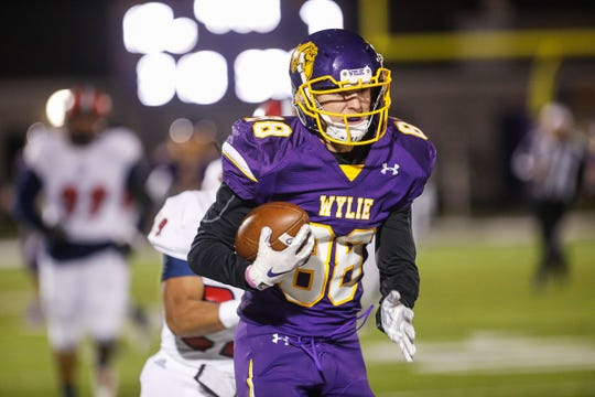 Wylie's Brodey Baker (88) is the team's top returning receiver from last season. Baker is also part of a veteran, experienced linebacker group expected to lead the Bulldogs in 2019.