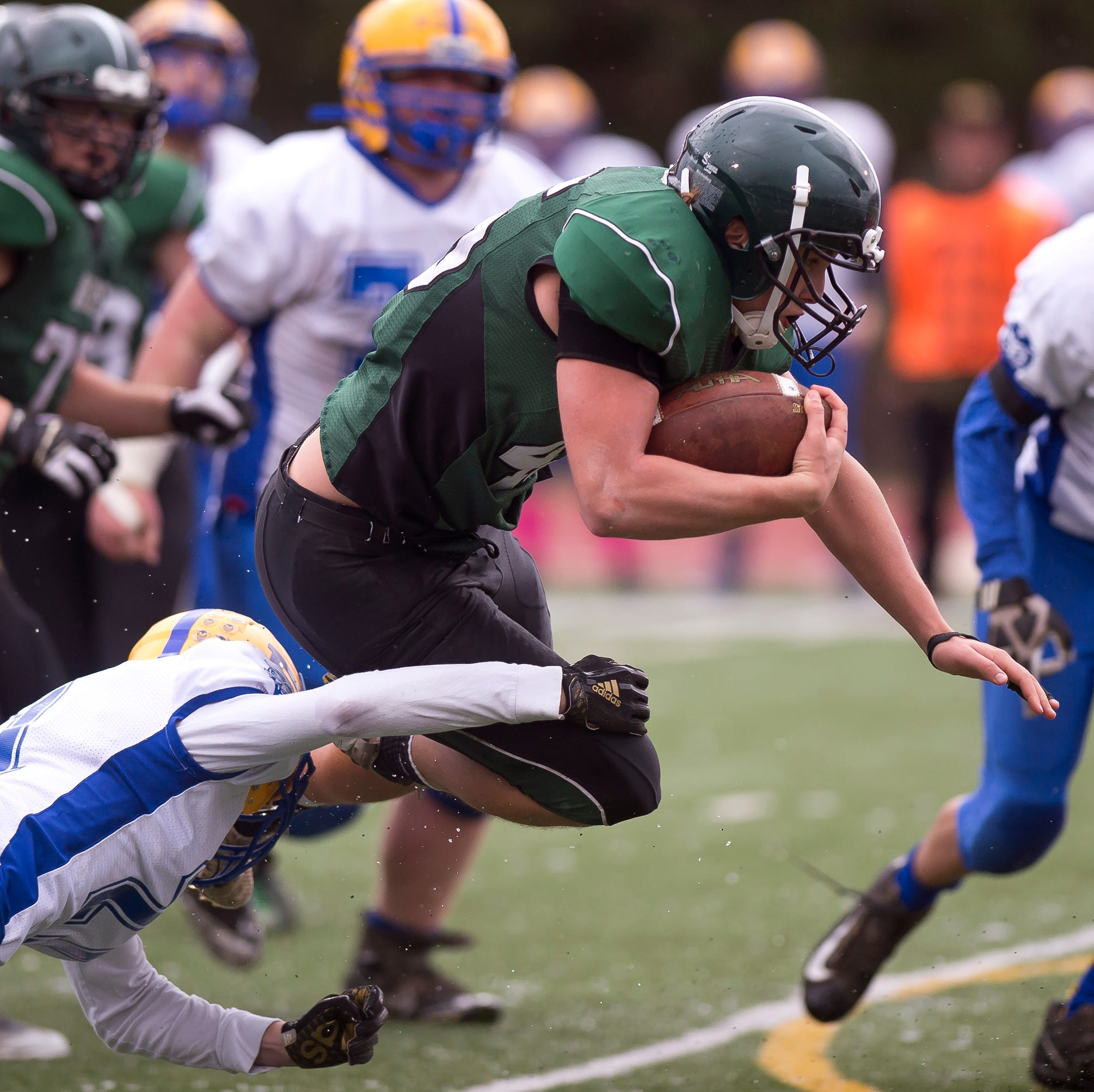D-III football championship: Woodstock holds off Poultney for crown