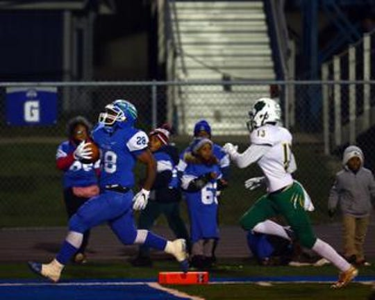 Winton Woods RB Miyan Williams runs for a touchdown.